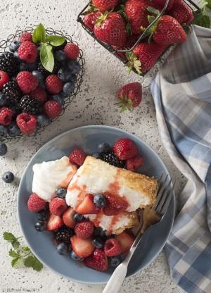 food photography angel food cake