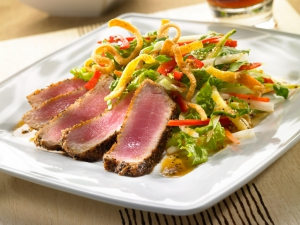 Pittsburgh-Food-Photographer---Tuna on white dish photo