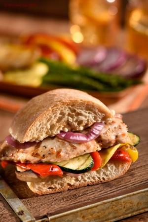 cicken and veggy sandwich food photo